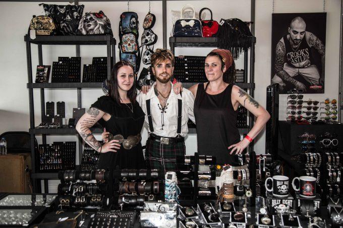 Vêtements, accessoires, objets d'art : quelques exposants du Corsair Tattoo Ink 2019