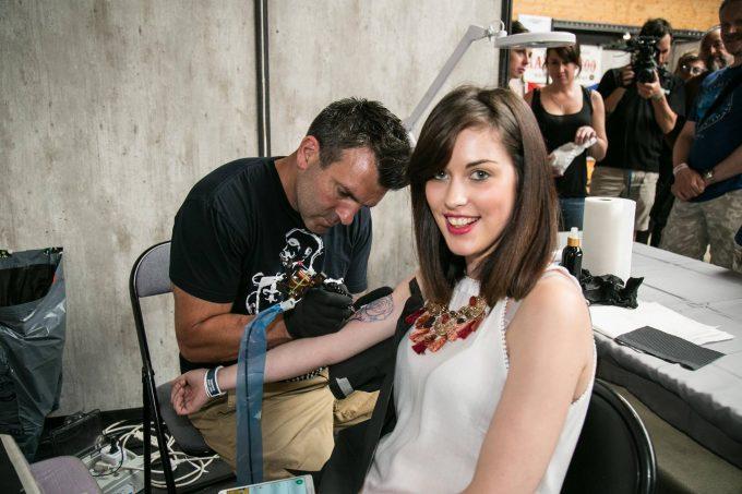 Comment gérer la douleur ressentie au cours d'un tatouage ?