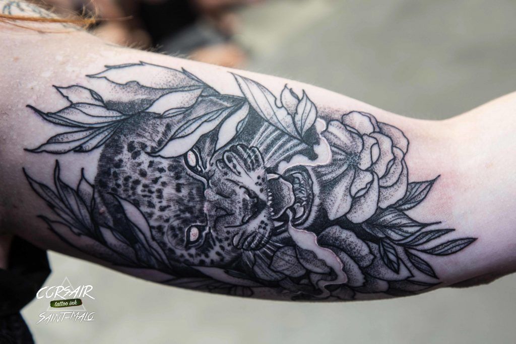 convention-tatouage-saint-malo-bretagne-corsair-tattoo-ink-tattoo-fleur-fleurs (1)