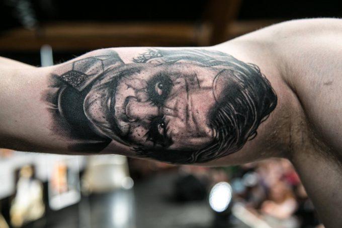 Les tatouages de clown réalisés au Corsair Tattoo Ink