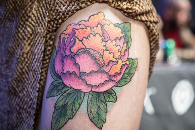 Galerie : les tatouages de fleurs du Corsair Tattoo Ink